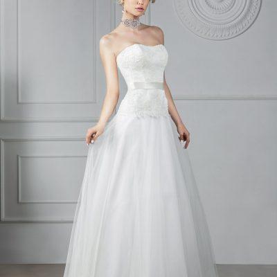 Свадебное платье А силуэта с летящей юбкой купить в Минске