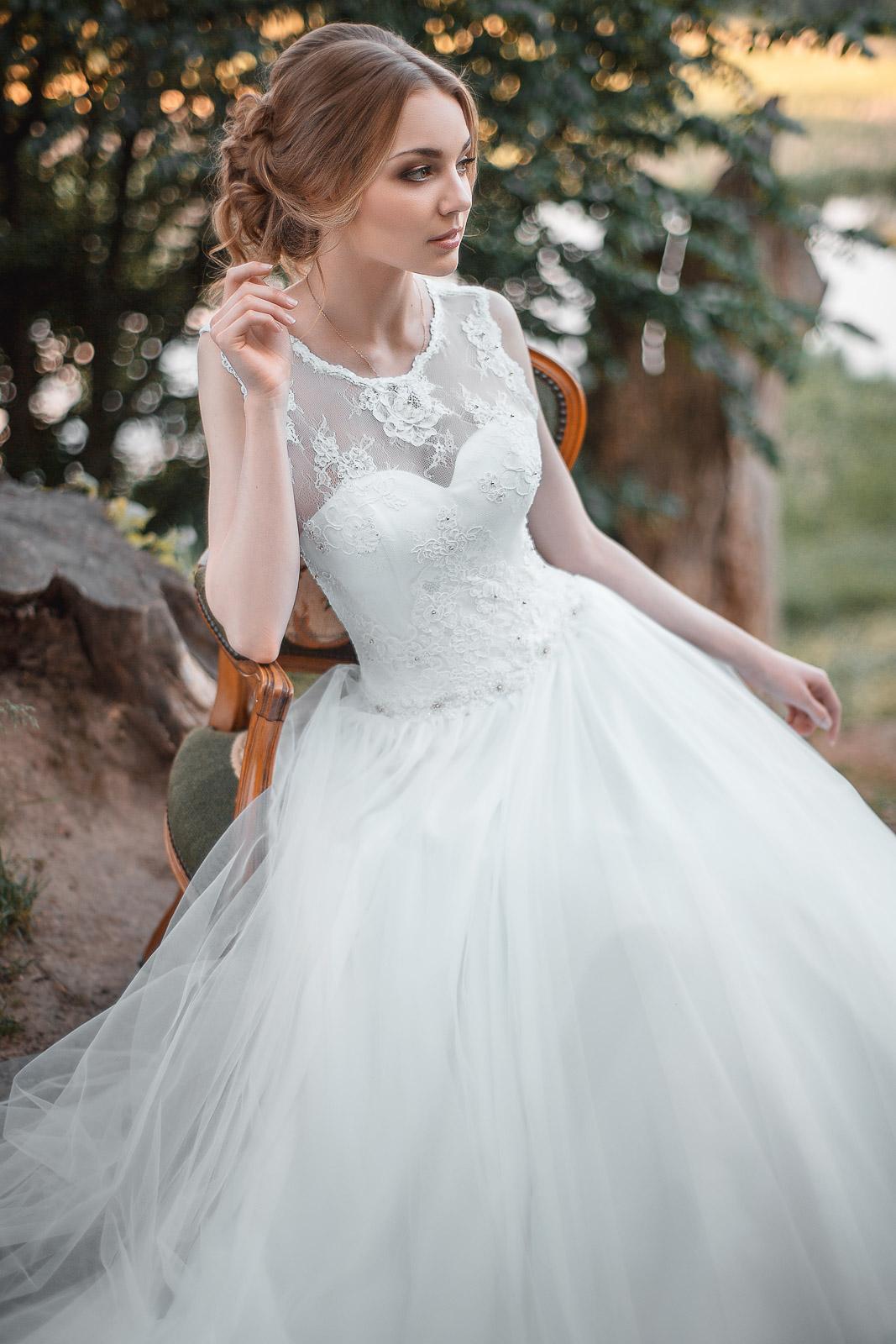 Платье белое с бисером
