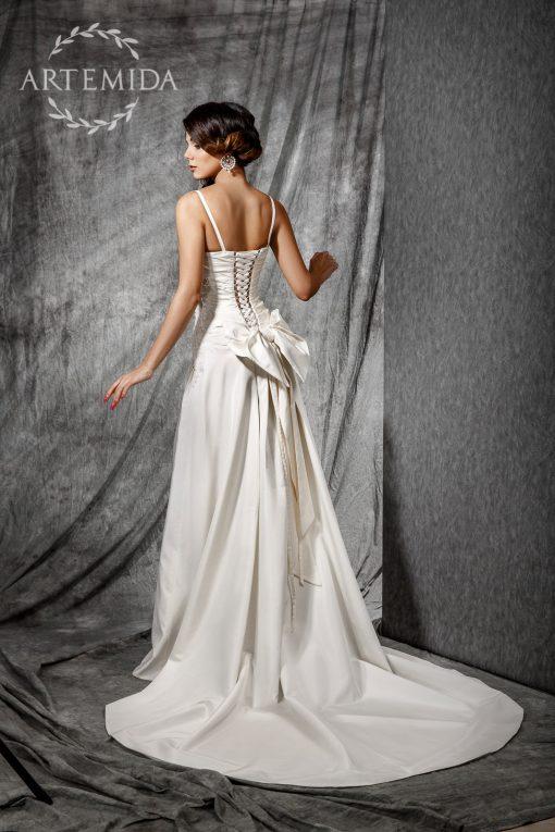 Не пышное атласное свадебное платье цвета айвори купить в Минске