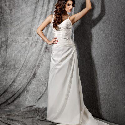 Свадебное платье со шлейфом в минске, пошив прокат свадебных платьев в свадебном салоне Артемида Минск, платья со шлейфом на свадьбу заказать