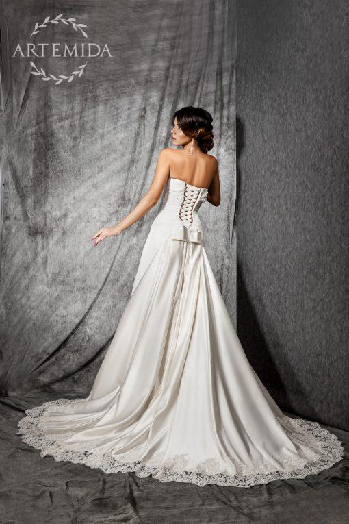 Атласное роскошное свадебное платье со шлейфом прокат Минск