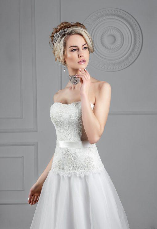 Свадебное платье молочного цвета А силуэта заказать в Минске