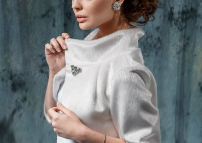 Элегантная свадебная шубка из искусственного меха