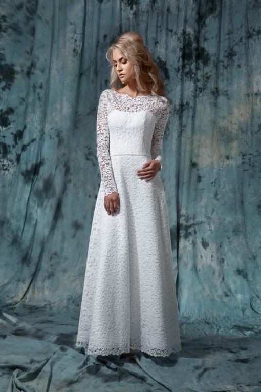 Закрытое кружевное свадебное платье А силуэта с рукавом прокат Минск
