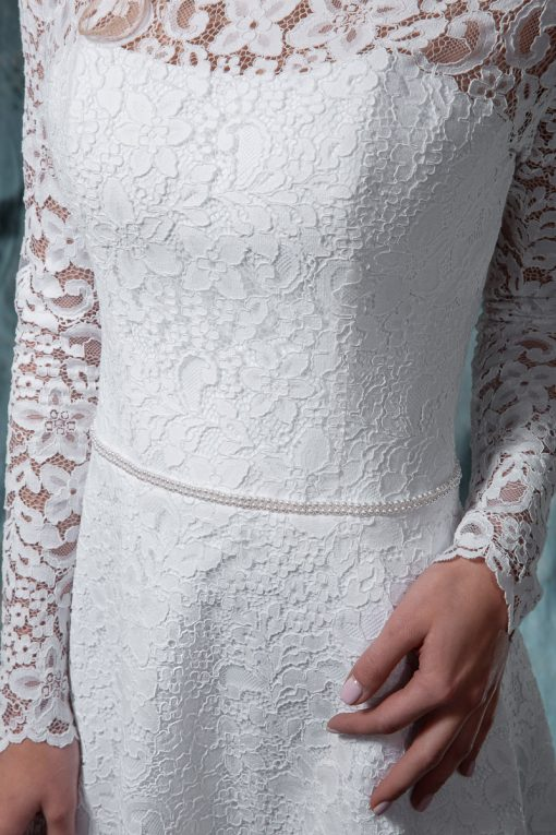 Кружевное свадебное платье с поясом из жемчуга напрокат в Минске