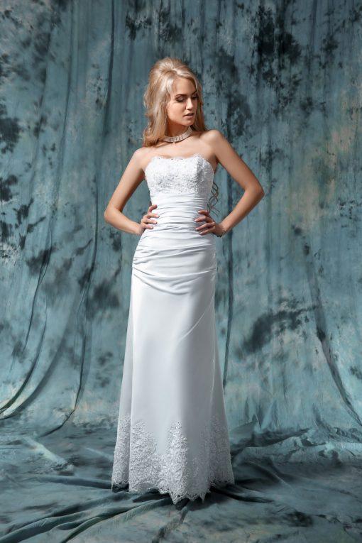 Свадебное платье прямого силуэта с кружевным лифом и шлейфом покупка в Минске