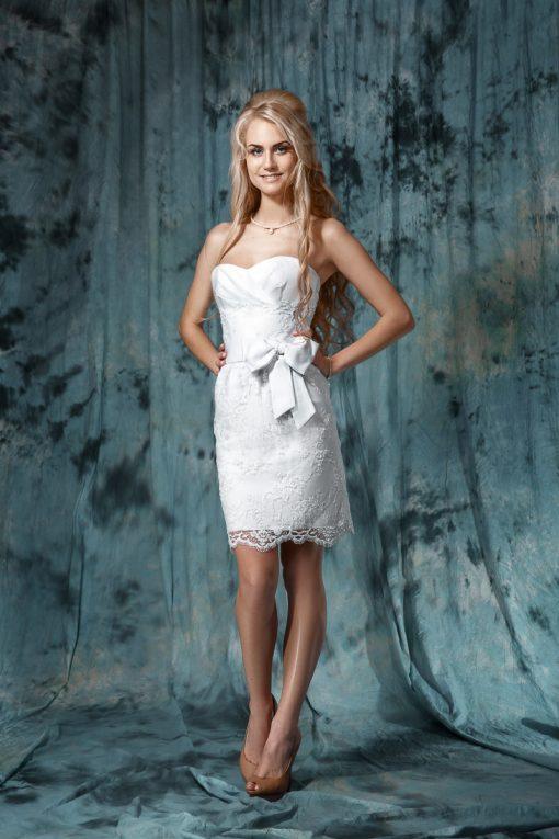 Короткое свадебное платье с бантом купить в Миске, свадебное платье маленького размера в прокат в Минске