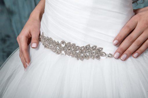 Пышное свадебное платье со стразами индивидуальный пошив купить напрокат в Минске