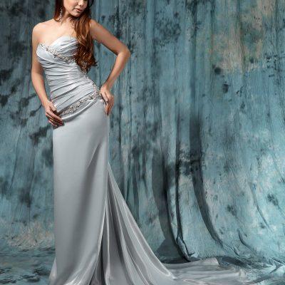 Роскошное серое свадебное платье со шлейфом в прокат в Миснске
