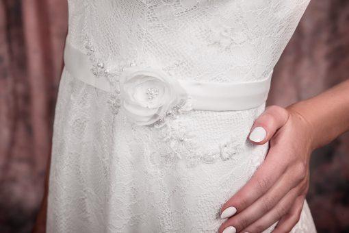 Свадебное платье с красивым поясом с цветами купить в Минске