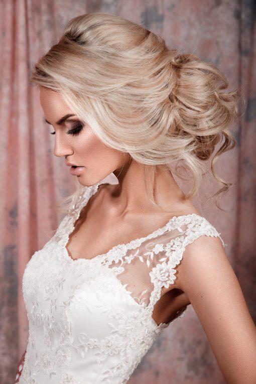 кружевное свадебное платье а силуэта в прокат в маске заказать пошив свадебного платья а силуэта в минске прокат свадебного платья шикарное свадебное платье роскошное свадебное платье