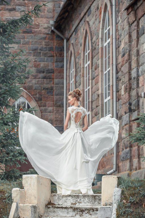 летящее свадебное платье с открытой спинкой пошив в Минске