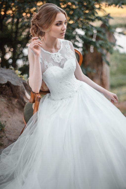 Белоснежное свадебное платье в Минске