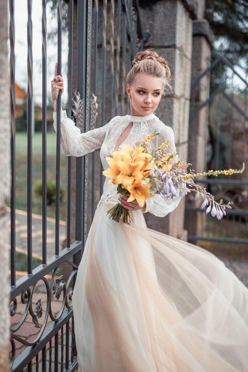 Кружевное летящее свадебное платье с рукавом купить Минске