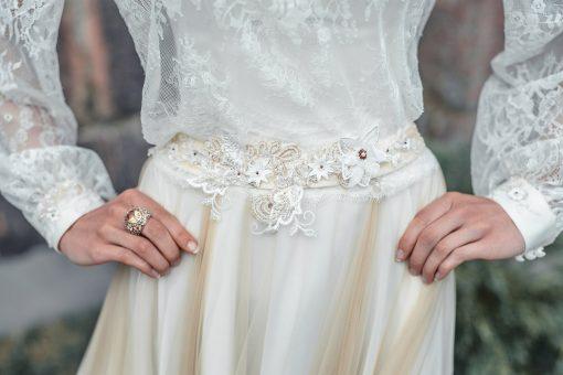 Свадебное платье с расшитым поясом на заказ в прокат в Минске