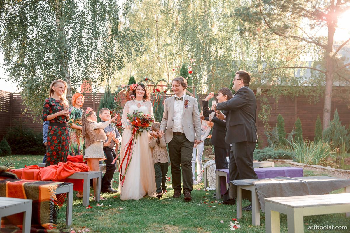 Krasivaya-svadba-v-stile-boho.-Minsk-Mon-Chalet-Organizatsiya-svadby-LoveStudio-77