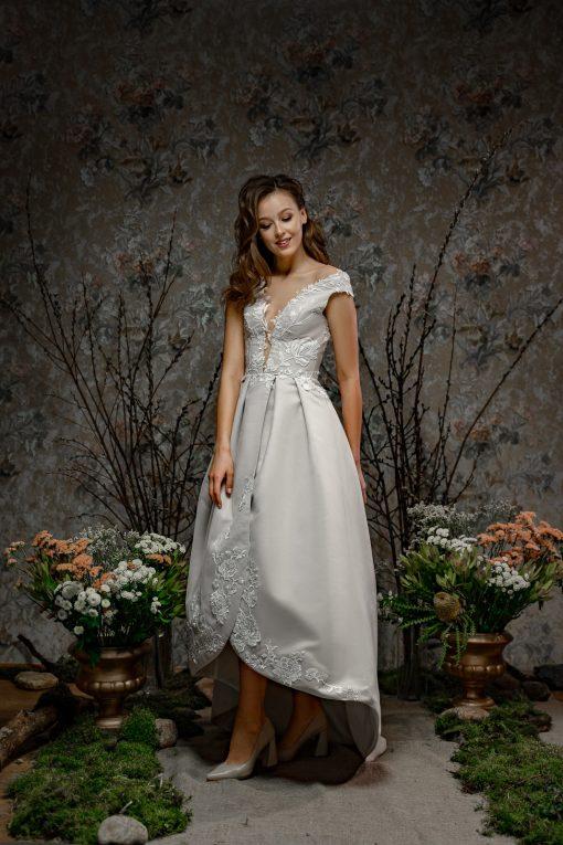 Короткое свадебное платье напрокат