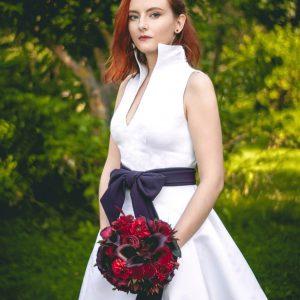 Атласное свадебное платье