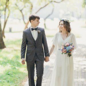 Свадебное платье-трансформер из шифона, нижняя часть - платье на бретелях, верхняя часть съемная